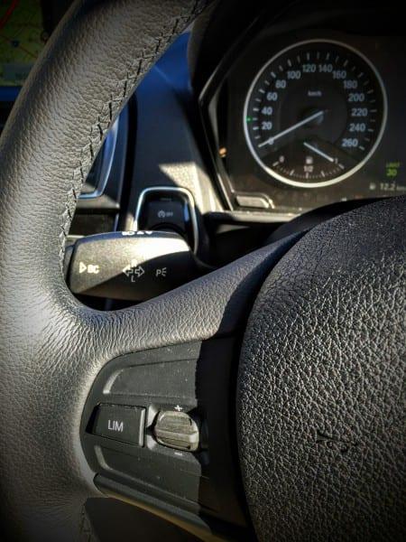 【BMW】LIMボタン(可変スピードリミッター)機能