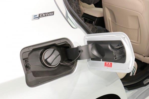 BMW330e_fuel_tank