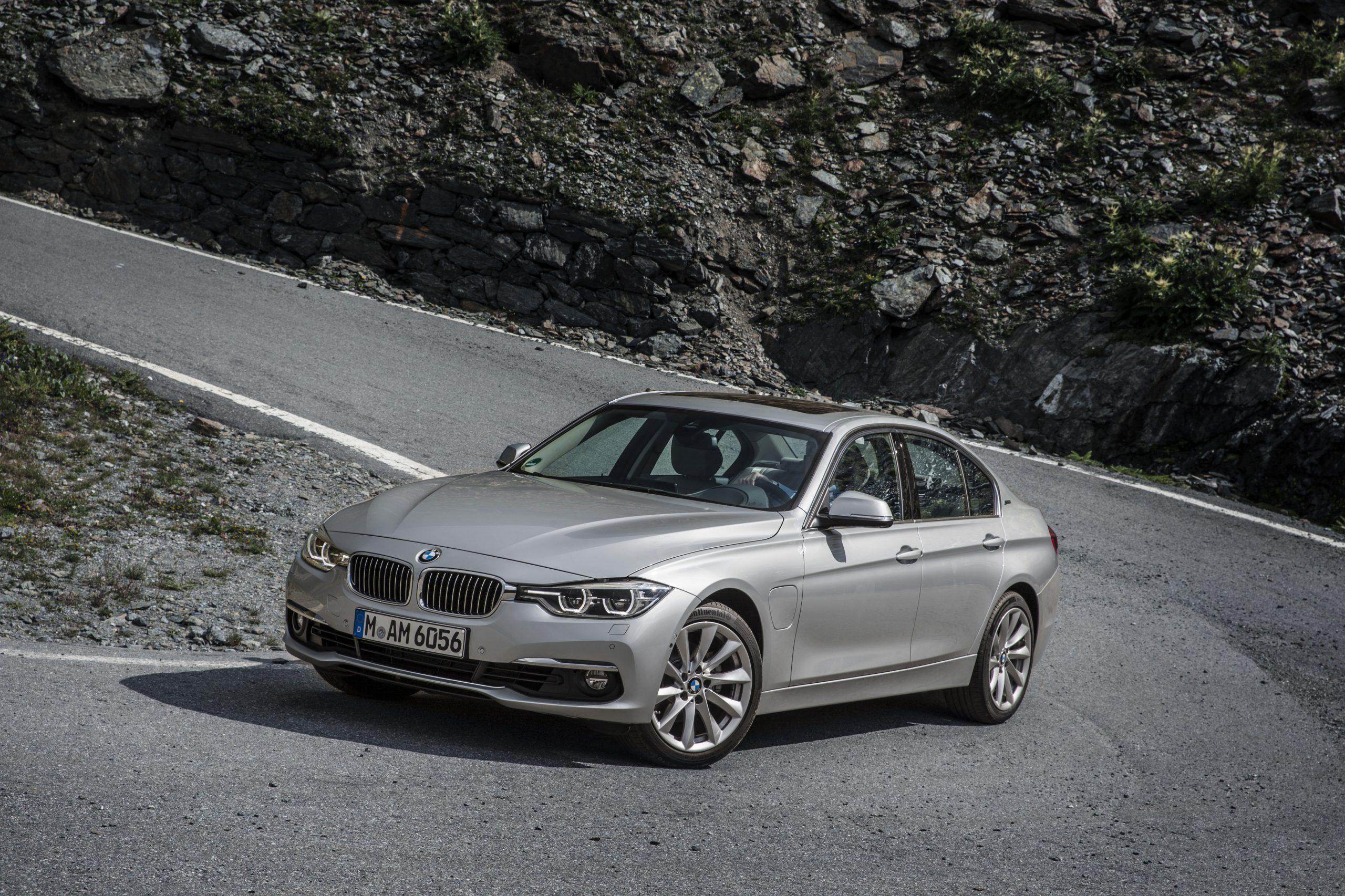 BMW4シリーズグランクーペ420iの限定モデル「IN STILE」発売!どれくらいお得かオプション換算して調べてみた^^