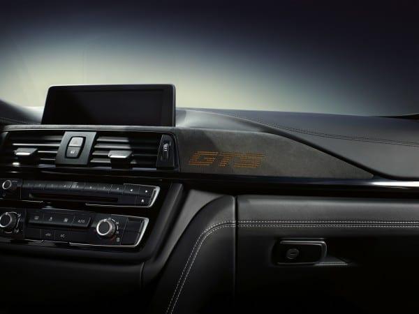 BMW M4 GTS フロントパネル