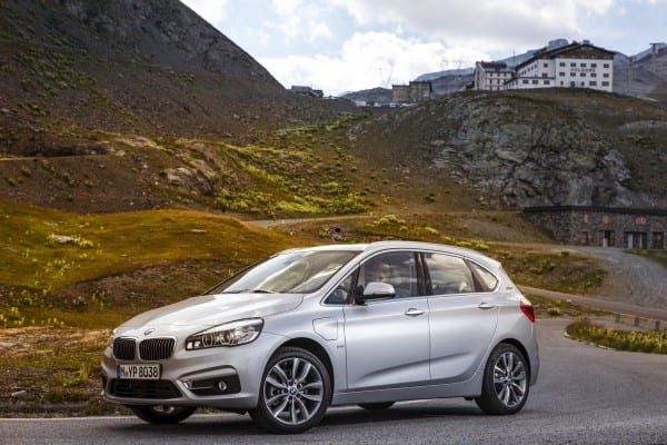 2016-BMW-225xe-plug-in-hybrid-goes-official-24