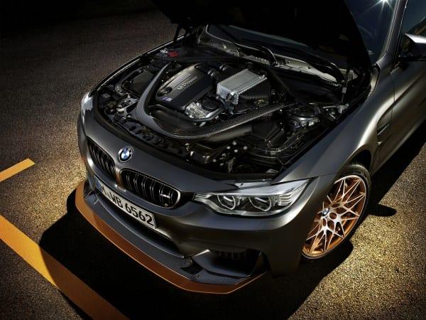 BMW M4GTS エンジン