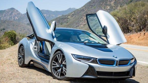 BMW「i3」「i8」などの「i」シリーズまさかの日本撤退!?