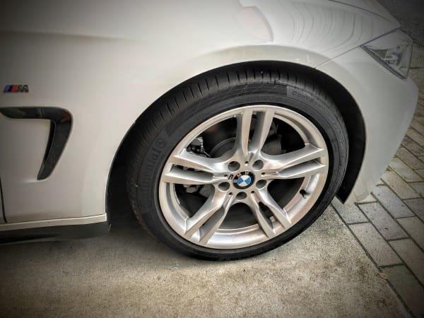 納車時純正ホイールに装着されている新車装着用BMW承認タイヤについて調べてみた。