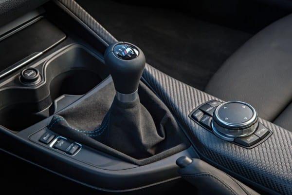 BMW M2のマニュアル車日本でも導入決定!11月生産から^^