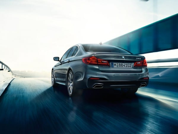 bmw-5series-sedan-imagesandvideos-1600x1200-03