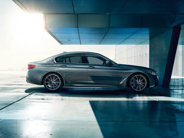 bmw-5series-sedan-imagesandvideos-1600x1200-04