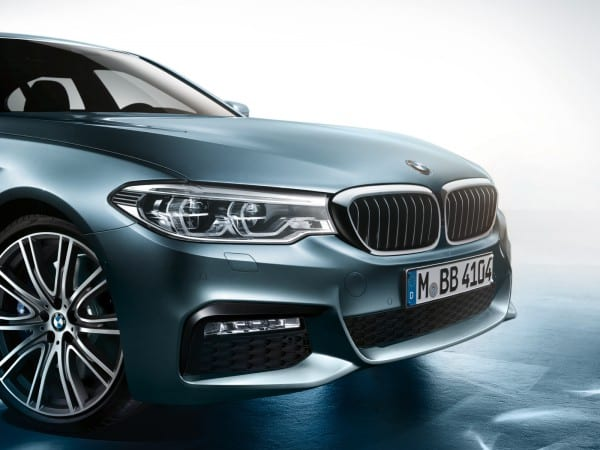 bmw-5series-sedan-imagesandvideos-1600x1200-09