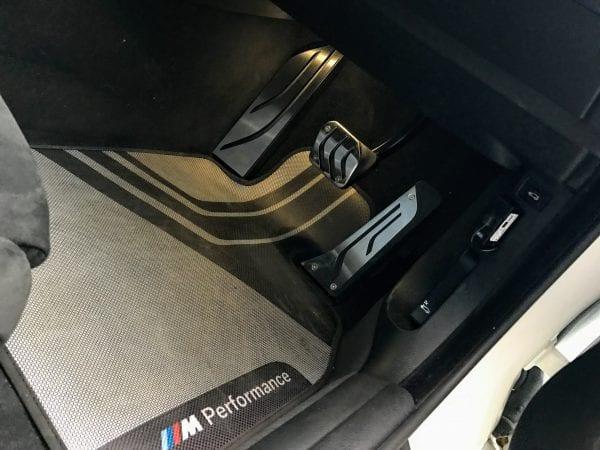 BMW4シリーズグランクーペに社外品ステンレススチールフットレストを加工取り付けしました^^
