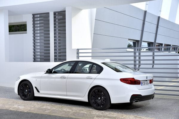 P90243536_highRes_the-new-bmw-5-series