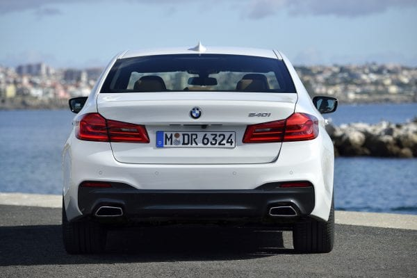 P90243546_highRes_the-new-bmw-5-series