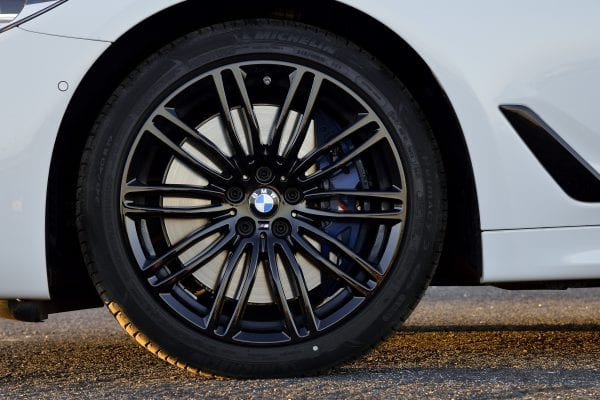 P90243556_highRes_the-new-bmw-5-series