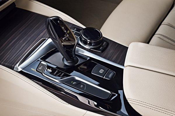 P90245049_highRes_the-new-bmw-5-series