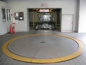 高さ制限が1550mm未満の機械式駐車場に駐車してみた。