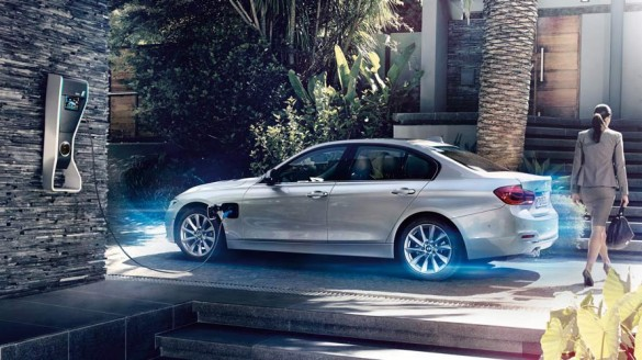 BMW 330e iPerformanceが首都圏GW限定100台0%ローンと特別購入サポート!!