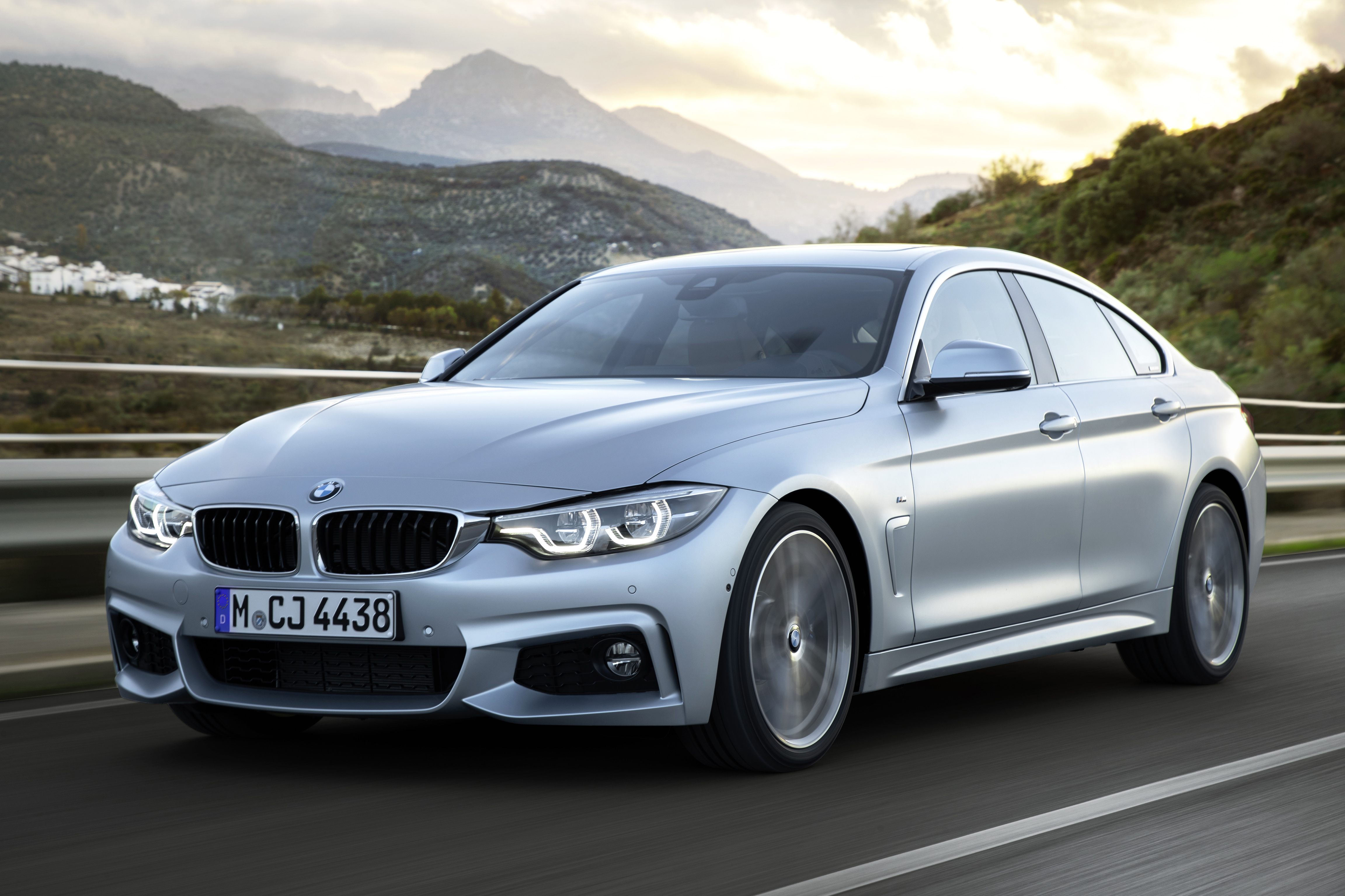 BMW4シリーズ2016年販売台数のモデル別の内訳!4シリーズグランクーペの販売比率は?BMW F36プロマネとの対話記事が興味深い^^