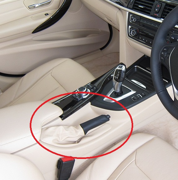 BMWディーラーの展示車両のサイドブレーキが下がっている理由!?