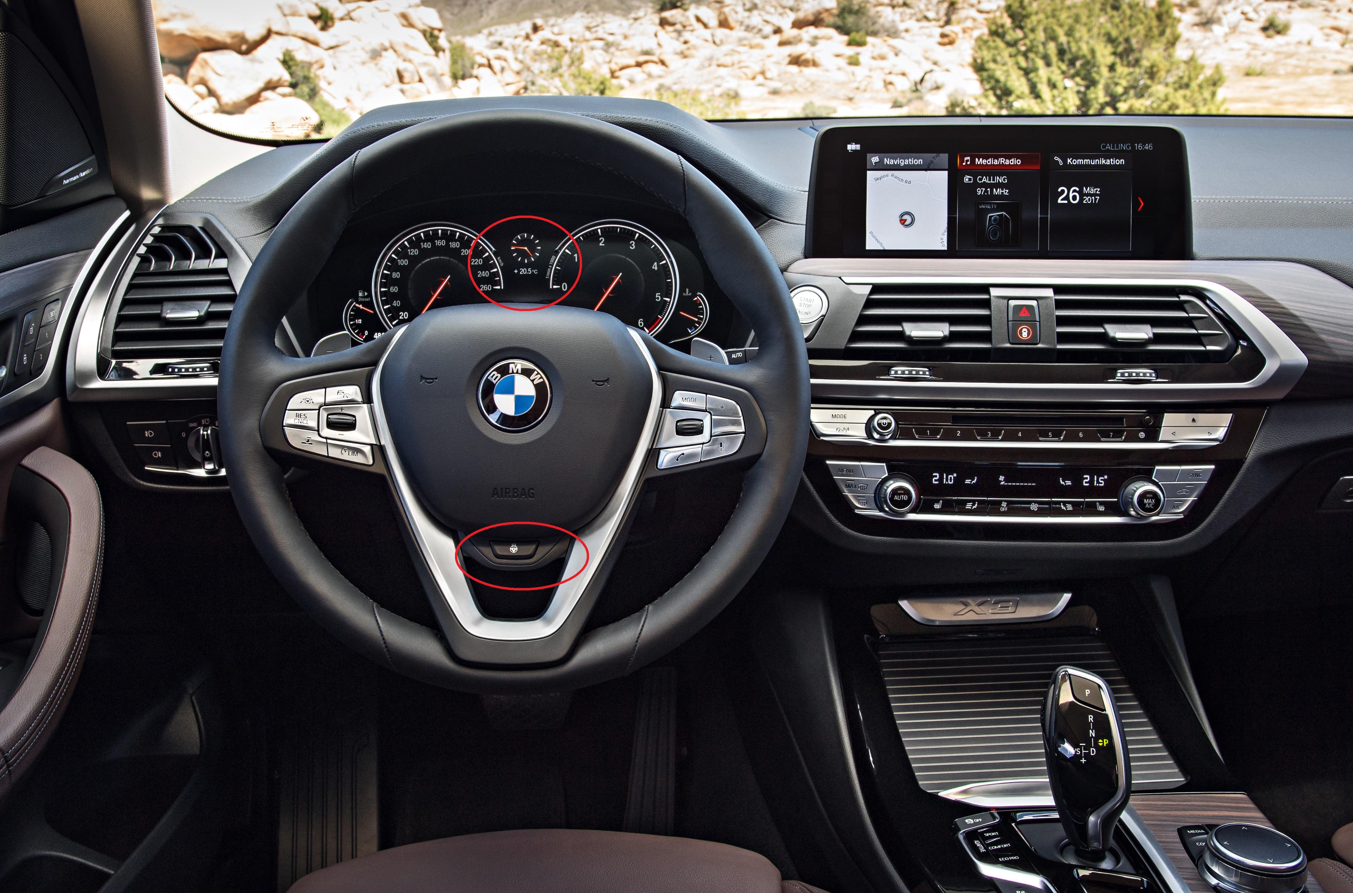 新型BMW X3発売開始!マルチディスプレイメーターやステアリングの写真で気になった部分が・・・