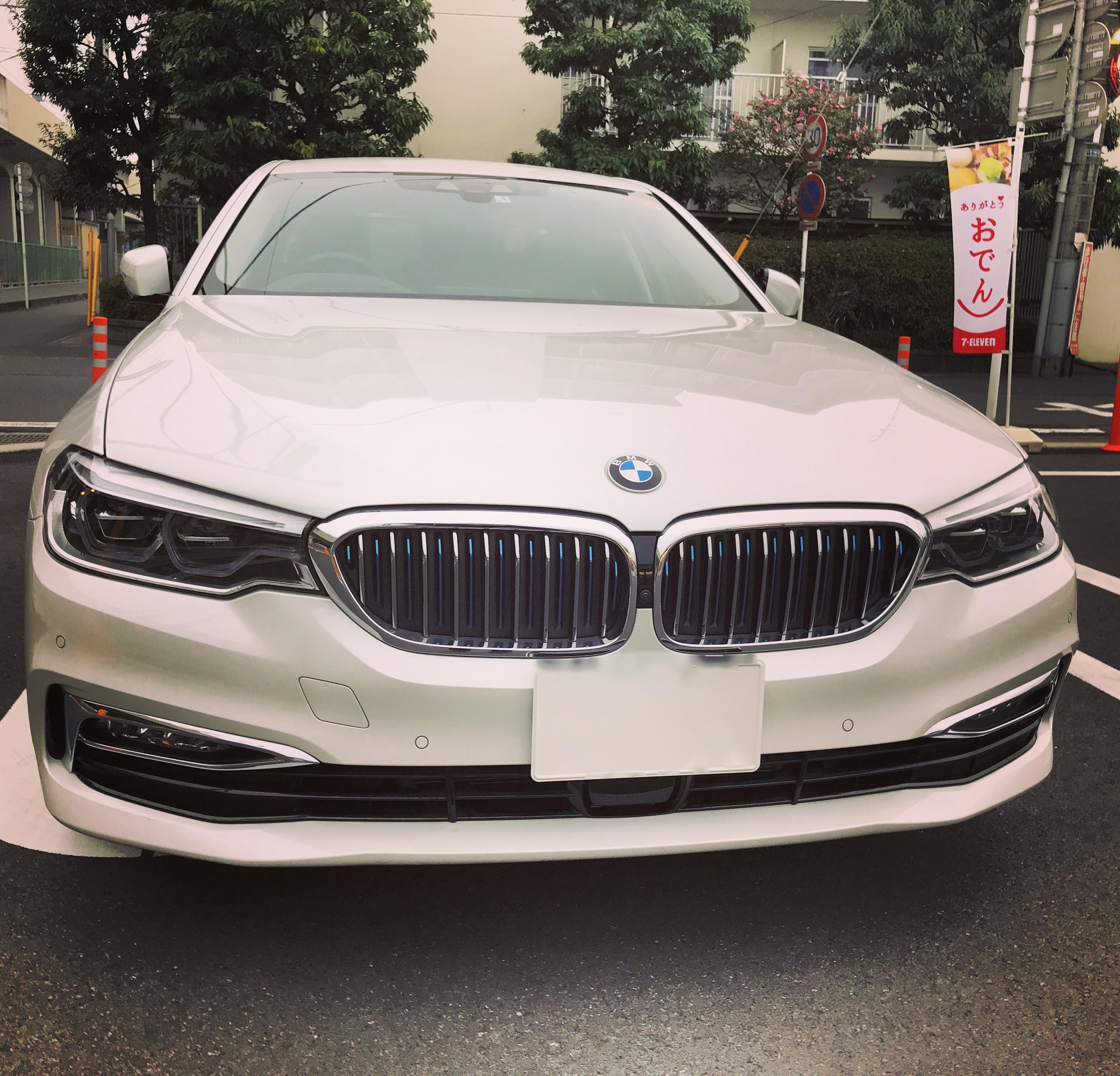 1年点検の代車はBMW新型5シリーズ「BMW 530e iPerformance Luxury」♪