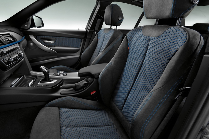 BMW Mスポーツのシートに採用されている「アルカンターラ」について調べてみた^^