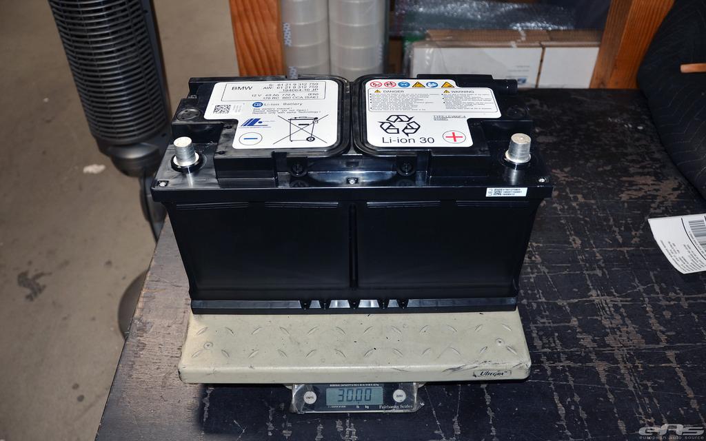 BMW M3(F80)/M4(F82)のリチウムイオンバッテリー交換費用にビビりました(汗