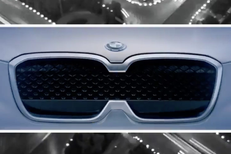 BMWのキドニーグリルに異変!?iX3はグリルが繋がってキドニーが一つに…