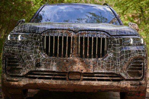 新型車BMW X7(G07)の発売1年前なのにプロトタイプの公道試乗会を開催!動画もあり^^