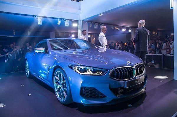 BMWが新型「8シリーズ クーペ」を世界初公開!「8シリーズカブリオレ」「8シリーズグランクーペ」も発売予定!