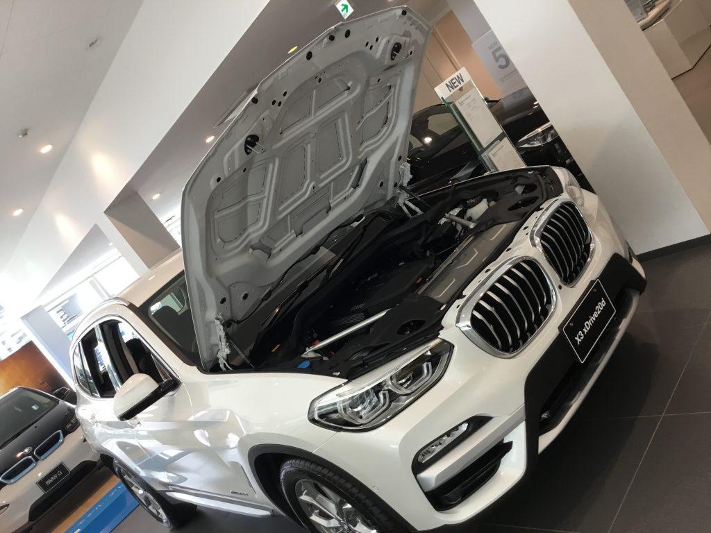 BMW車のボンネットの閉め方の注意事項^^;