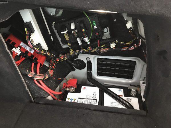 BMW 4シリーズグランクーペ(F36)のバッテリー位置について(^^;確認してみました^^