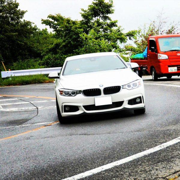 My BMWディーラーから暑中見舞い&ツーリングオフの走行写真を頂きました♪
