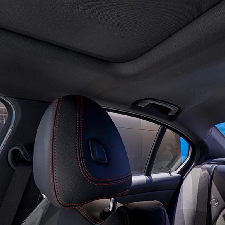 BMW新型3シリーズ(G20)の電動ガラスサンルーフは100mm拡大で開放感アップ^^