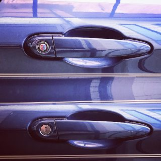 BMWアルピナエンブレムのキーシリンダーカバーを購入して鍵穴に貼ってみました^^