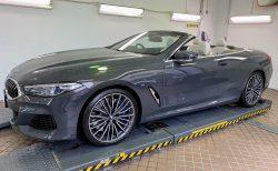 新型車BMW8シリーズカブリオレ(M850i)の試乗車をじっくりと拝見!迫力のマフラー音や幌開閉の動画も撮りました^^