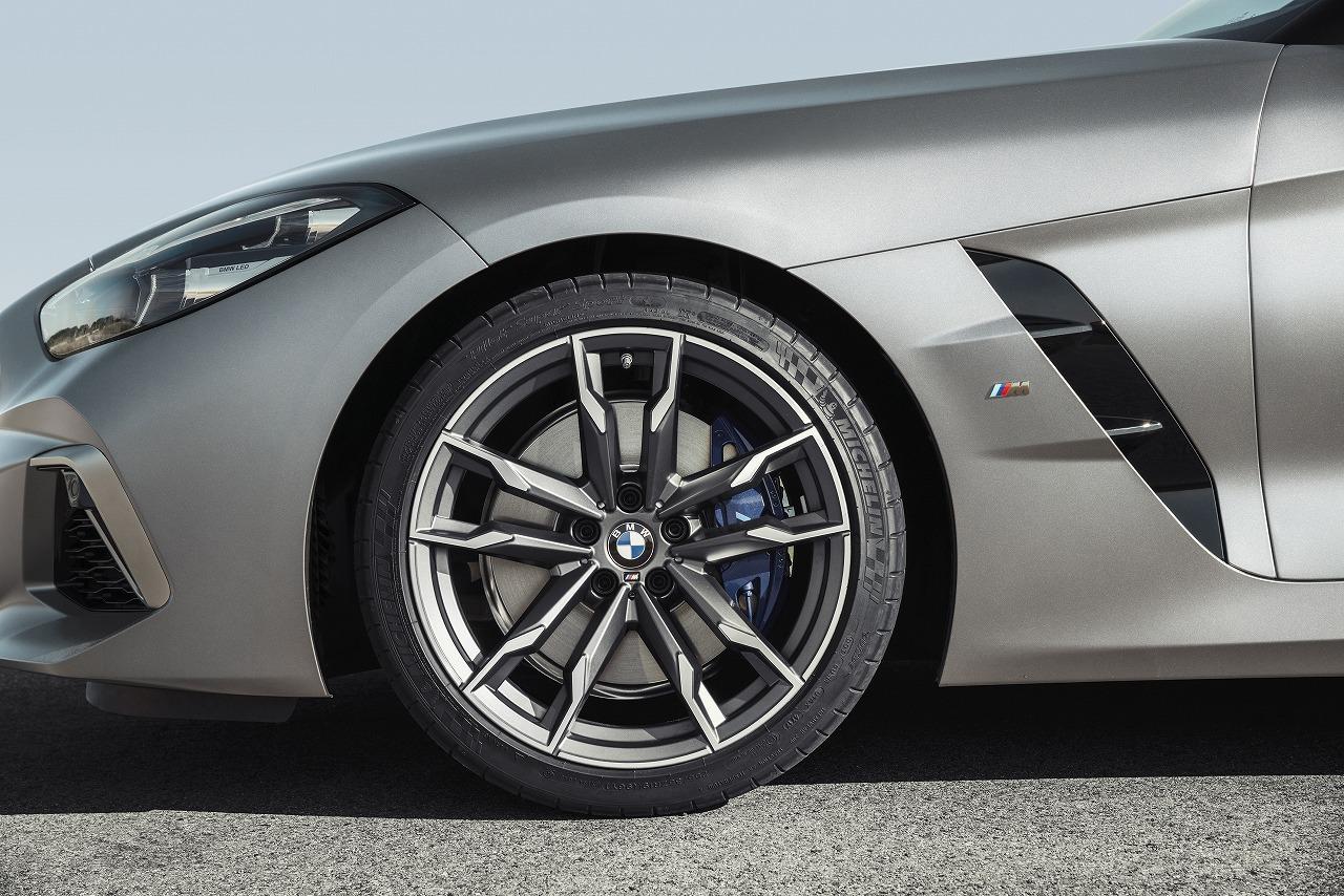 新型BMW Z4はベースグレード以外は脱ランフラットタイヤでラジアルタイヤを採用!理由は?