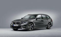 納期遅れが深刻!メルセデスベンツ新型「Cクラス」の納期は来年7月、BMW3シリーズも来年3月!?