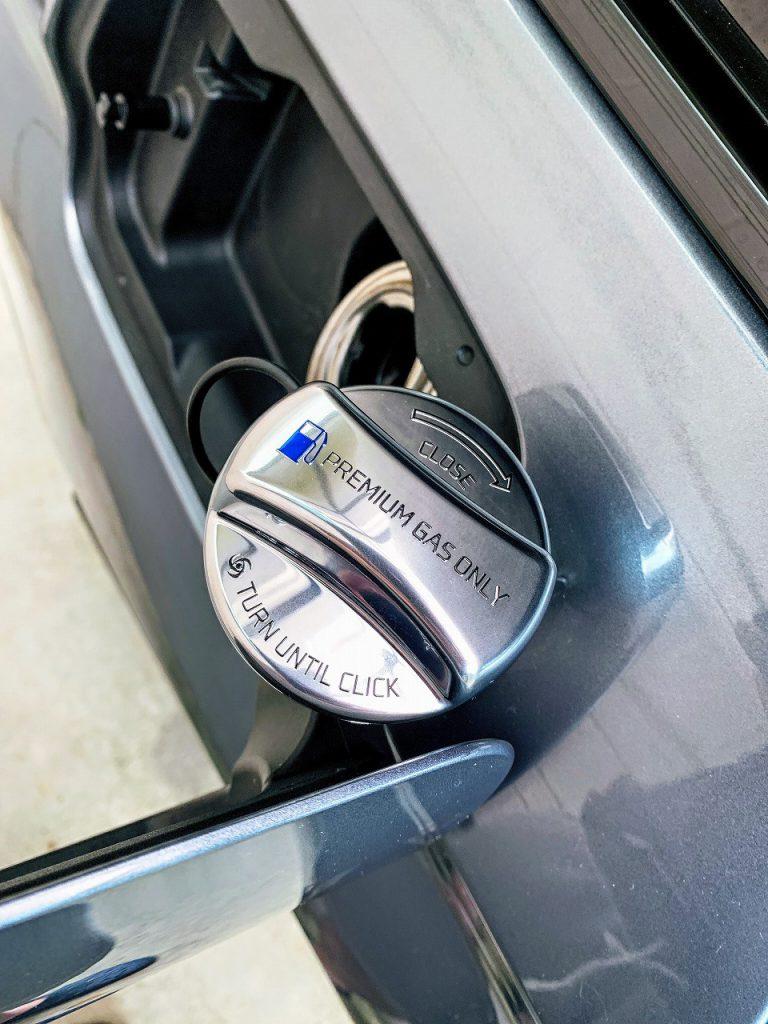 BMW G31にクロームメッキのオシャレなフューエルキャップカバー「Fuel Cap Cover for BMW/MINI」を装着しました♪
