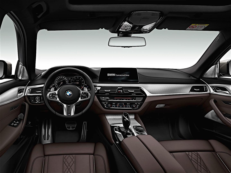 BMW5シリーズのアルミフットレストは左ハンドル車は標準装備なんですね。。。