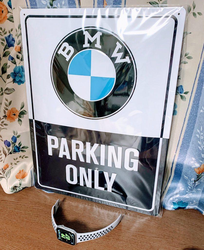 話題のBMW純正CLASSICメタル・プレートを買いました^^BMWの歴史を感じる素敵なブリキプレートです♪