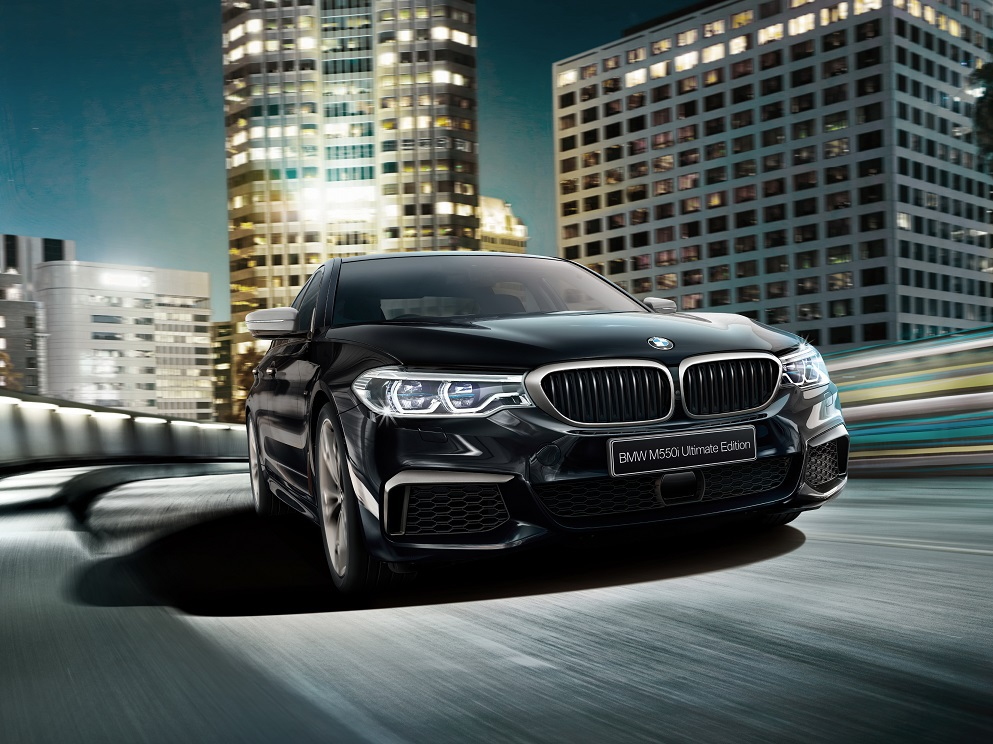 55台限定車!V8エンジンBMW5シリーズM550i xDrive「Ultimate Edition」発売!!