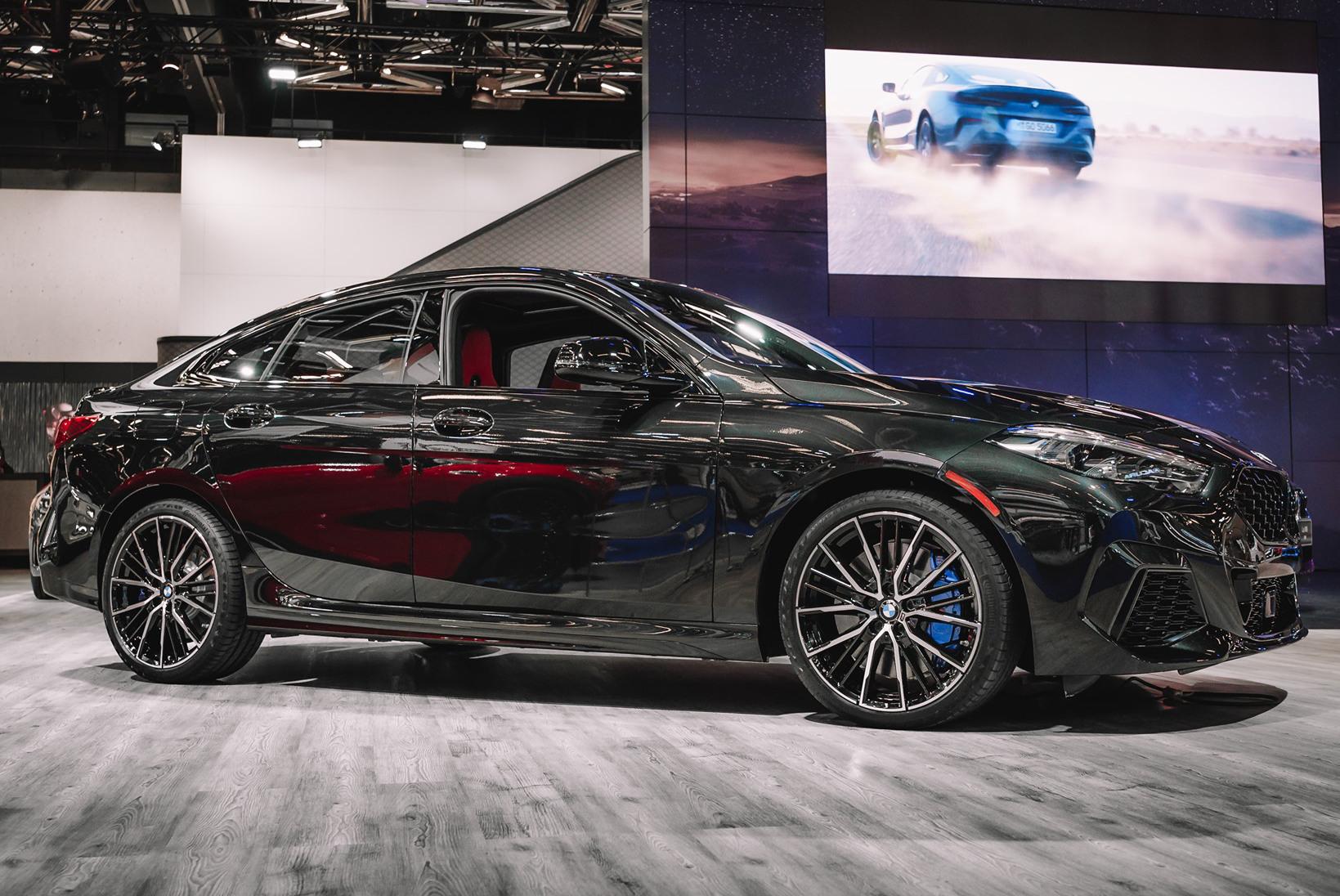 オールブラック!「BMW新型2シリーズグランクーペ(F44)」がカッコいい!旧型3シリーズE90とサイズ感が近しいのも良いですね♪