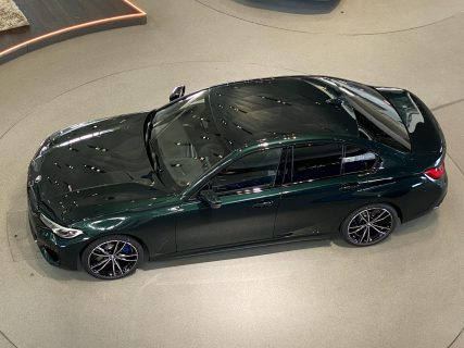 IndividualなボディカラーOxford GreenのBMW新型3シリーズ(G20)M340iが素敵です^^