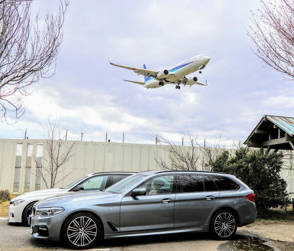 愛車BMW5シリーズツーリングと飛行機のツーショット写真^^