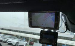 愛車BMW G31に取り付けた移動式・新型光オービス対応「ユピテルGS103」レビュー!取り付け位置など【レーザー&レーダー探知機】