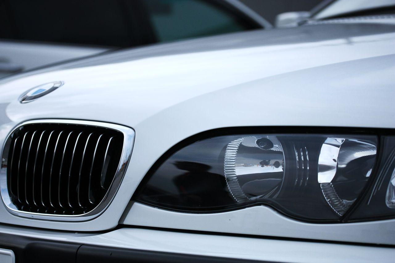 BMW E46のダッシュボードを空けて助手席エアバックがどう入ってるかがわかる貴重な写真♪