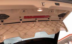 BMWが新車の三角表示板(停止表示板)標準装備を廃止したとのことで愛車G31に装備されてるか確認してみた^^;