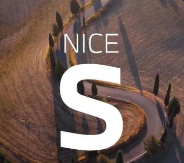 MW公式がベンツ新型「Sクラス」に関して興味深いつぶやきを発信(^_^;)「Nice S」といえば・・・