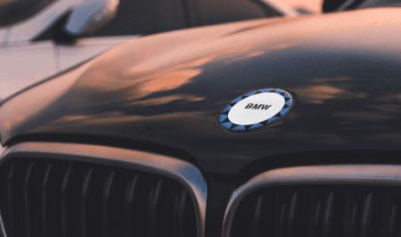 BMWロゴエンブレムを正確に書けますか?100人にテストしてみた結果が興味深い^^