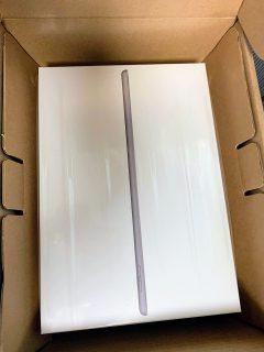 コスパ最高♪最新Apple iPad(第8世代)を購入!第3世代無印iPadからの買い替えました^^開封レビュー!