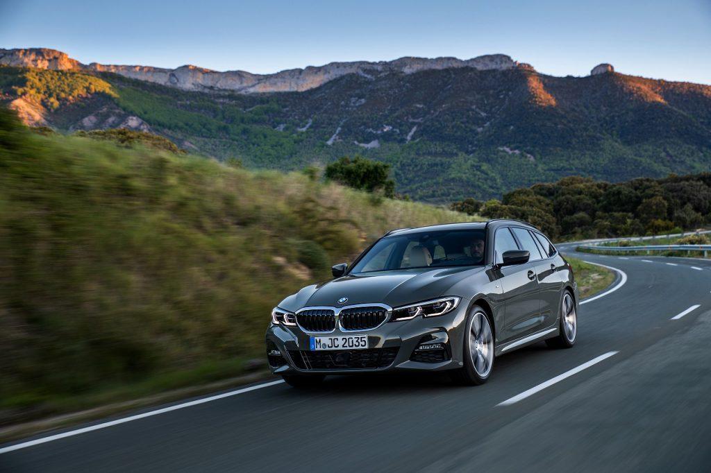 BMW3シリーズツーリング「318i」(G21)試乗記事が直6並のエンジンとちょっと忖度しすぎな件(^_^;)